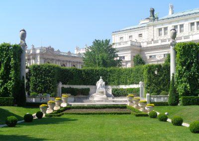Volksgarten, monument to Empress Elisabeth (Sisi)