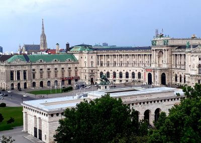 Imperial Palace and Heroes' Square (Heldenplatz)