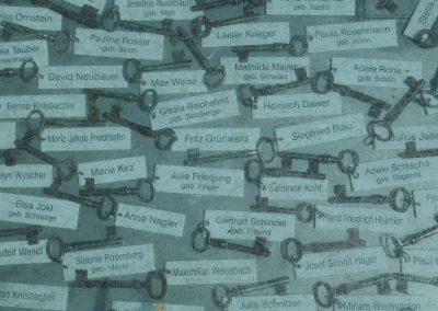 Julia Schulz: Mahnmal 426 Schlüssel